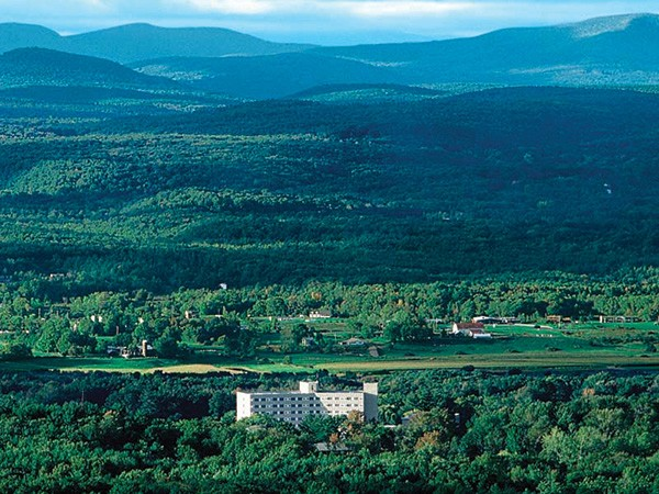 nh_hudson-valley-resort.jpg