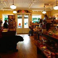 Tannersville General Store: Retro Counter & Catskill Souvenirs
