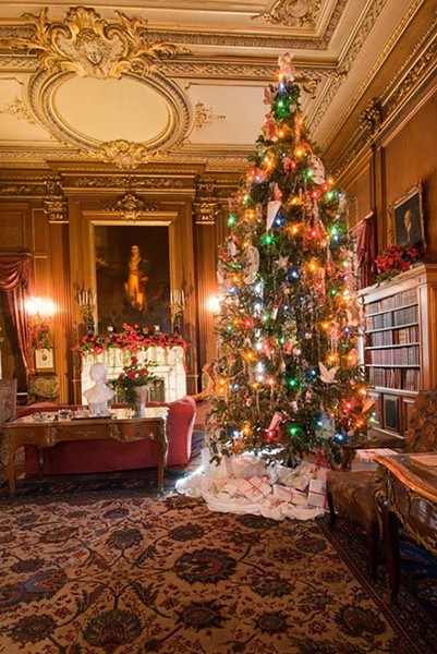 Staatsburgh's Library, decorated for the holidays. - STAATSBURGH STATE HISTORIC SITE