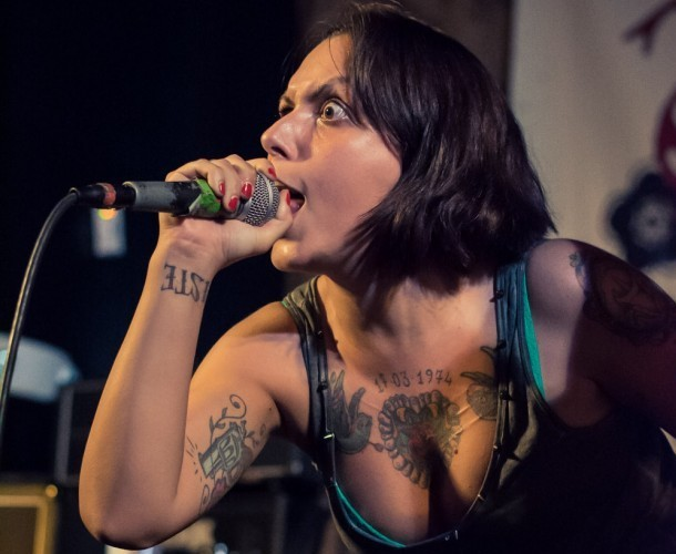 Svetlanas vocalist Angela