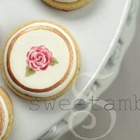 SweetAmbs: Amber Spiegel's Artisanal Cookies