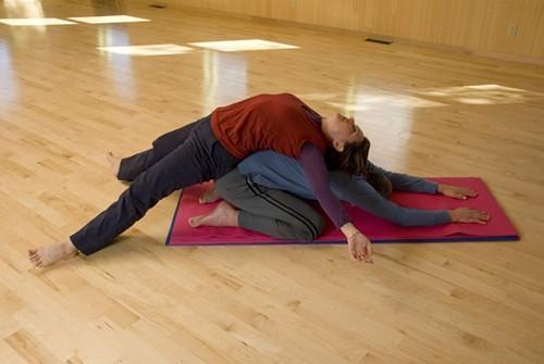 Thai Partner Yoga