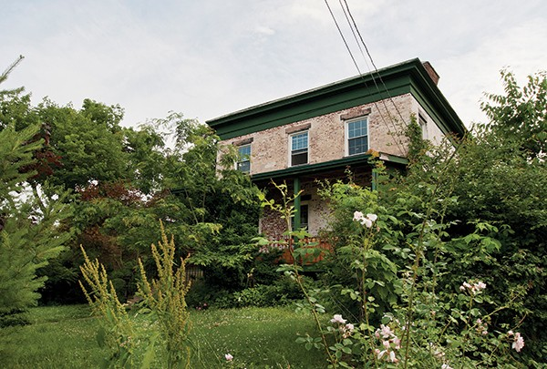 The exterior of the Kinney house.
