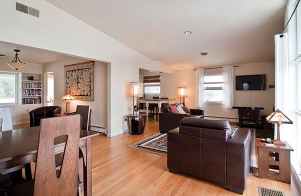 a ranch raised in rhinebeck ed bergstraesser house profiles hudson valley hudson valley. Black Bedroom Furniture Sets. Home Design Ideas