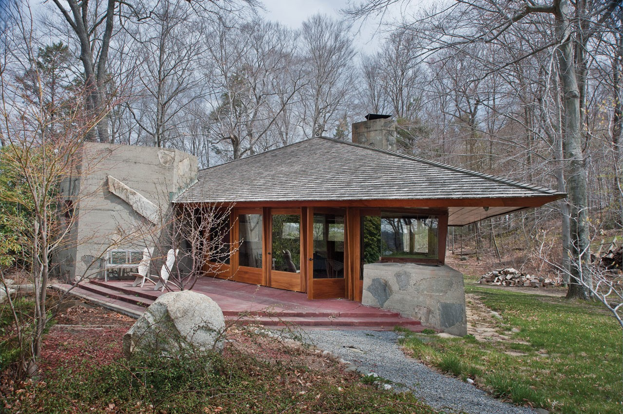 The original cottage built by Frank Lloyd Wright for A. K. Chahroudi on Petra Island in 1952.