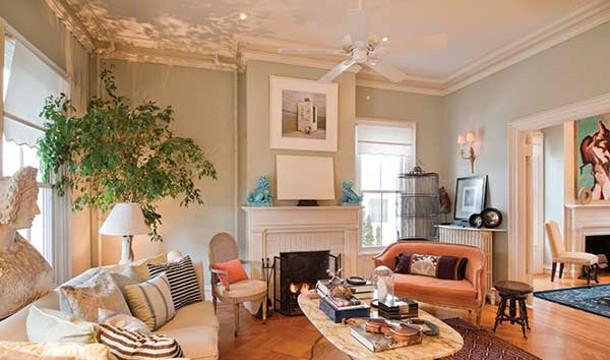 The parlor of Villa Sofia, David Usborne and Juan Carretrro's Italianate home in Hudson. - DEBORAH DEGRAFFENREID
