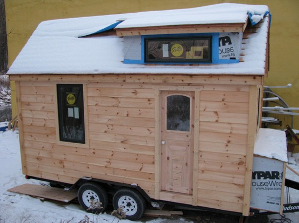 the-question_tiny-house-560x419.jpg