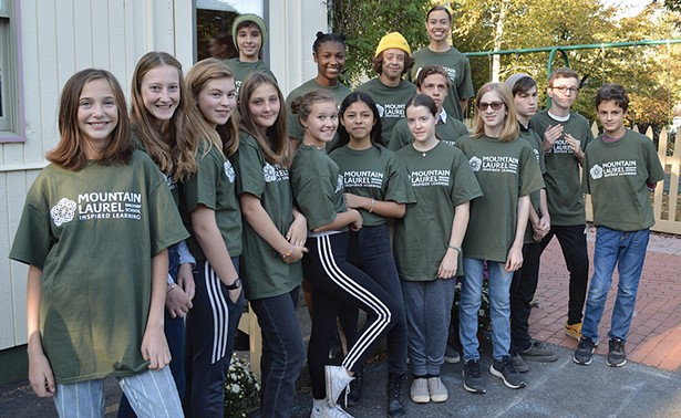 The Mountain Laurel Waldorf School graduating class of 2020.