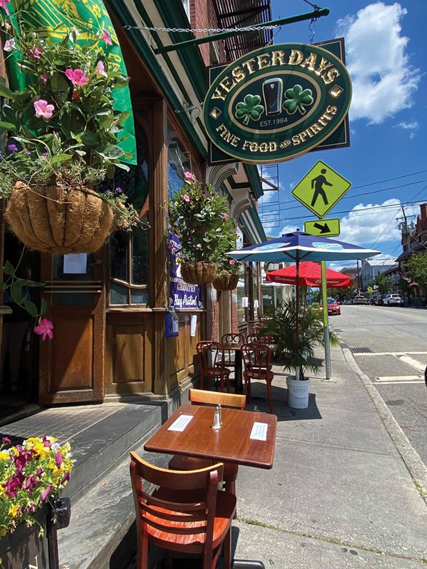 Outdoor seating at Yesterdays in Warwick - PHOTO: BEA ARNER/WARWICK VALLEY CHAMBER OF COMMERCE
