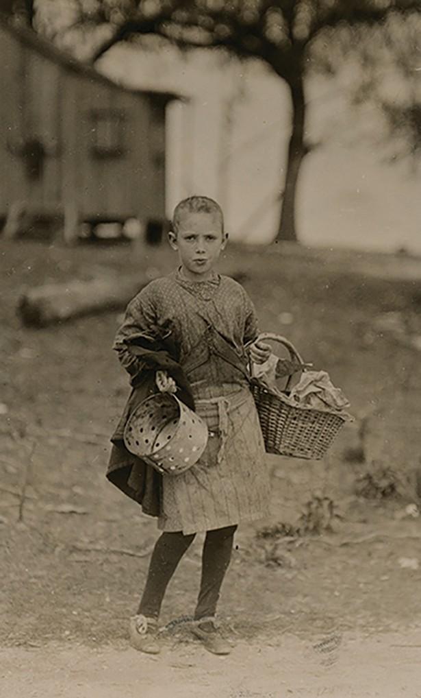 Sadie Kelly, 11 years old, Peerless Oyster Co., Lewis Hine, 1911