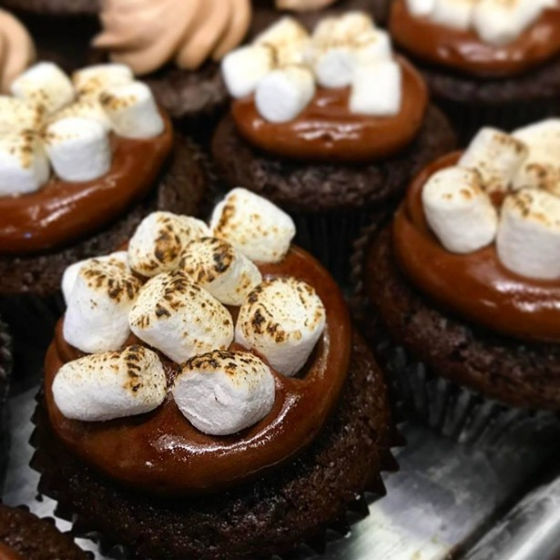 Moxie's Campfire Song (S'mores) cupcakes