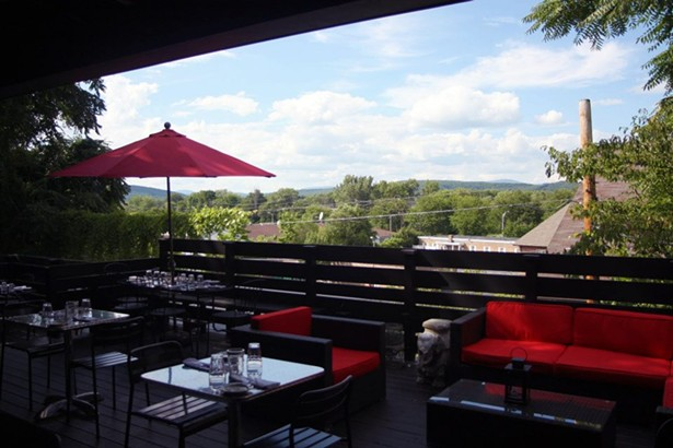 hudson_valley_outdoor_dining_boitsons.jpg