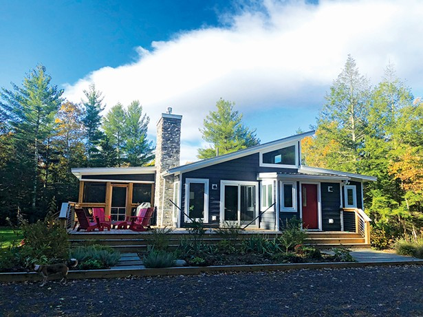 A modern Ranch home in Kerhonkson built by Catskill Farms.