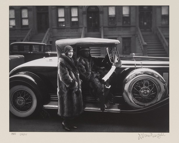 Couple Harlem, James Van Der Zee, - gelatin silver-toned print, 1932.