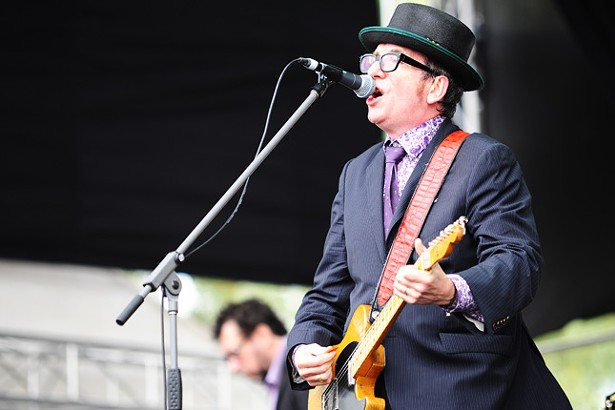 Elvis Costello and The Imposters @ Fremantle Park (17/4/2011) - PHOTO BY STUART SEVASTOS (CREATIVE COMMONS ATTRIBUTION 2.0 GENERIC LICENSE)