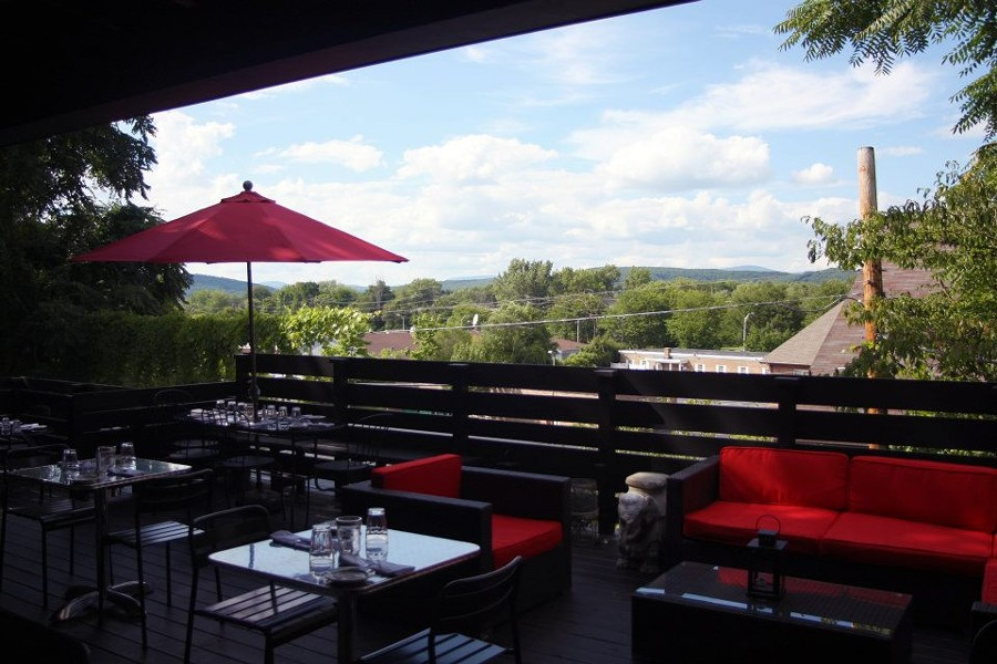 hudson_valley_outdoor_dining_boitsons.jpg