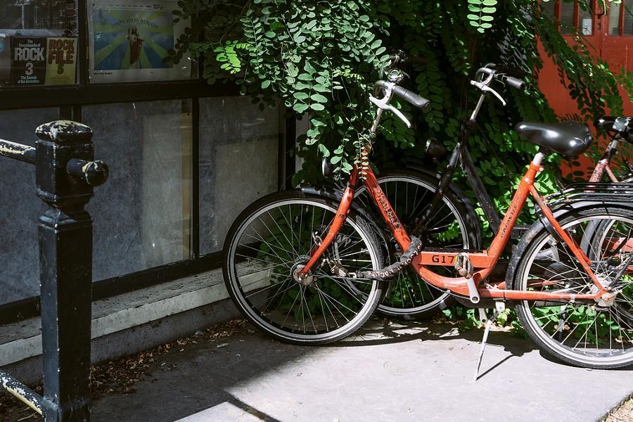 bicycle_amsterdam.jpg