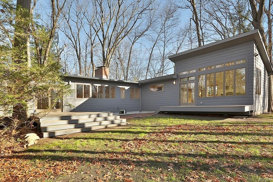 PHOTOS COURTESY OF MID-CENTURY MODERN HUDSON VALLEY