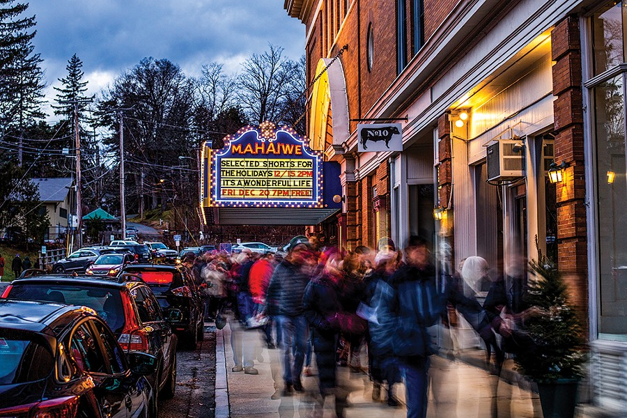 Theatergoers queuing outside the Mahaiwe for the December 15 perfromance of Selected Shorts. - PHOTO: ANNA SIROTA