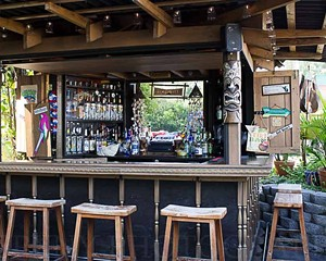 The tiki bar at Captain Kidd's Inn.
