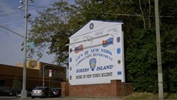 ce4a2cd3_rikers-sign.jpg