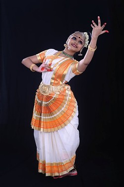eec610df_mohiniyattom_performance.jpg