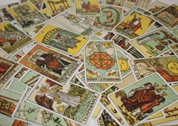 64582e59_tarot_club_fb_4.jpg