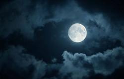 f860419d_moon.jpg