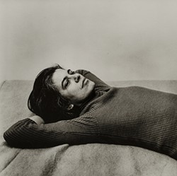 Peter Hujar, Susan Sontag, 1975, Gelatin silver print, © 1987 The Peter Hujar Archive LLC; Courtesy Pace/MacGill Gallery, New York and Fraenkel Gallery, San Francisco - Uploaded by Dorsky Museum