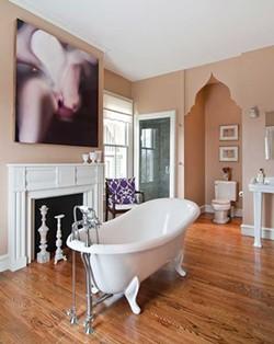 Villa Sofia bathroom - DEBORAH DEGRAFFENREID