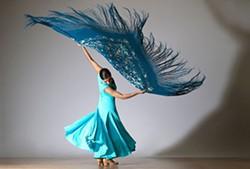 f6827ba3_cristina_mogul_dancer_photo_by_lois_greenfield.jpg