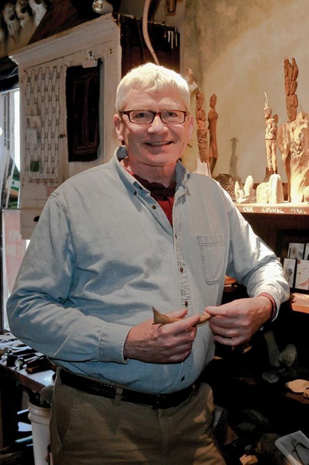 Warwick local notable Dan Mack, visual artisan