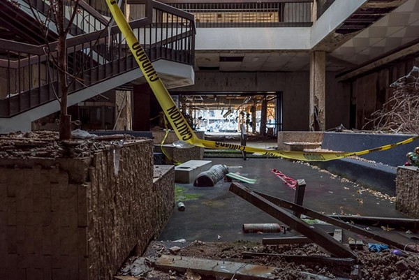 10 Incredibly Desolate Dead Shopping Malls |Randall Park Mall 2013