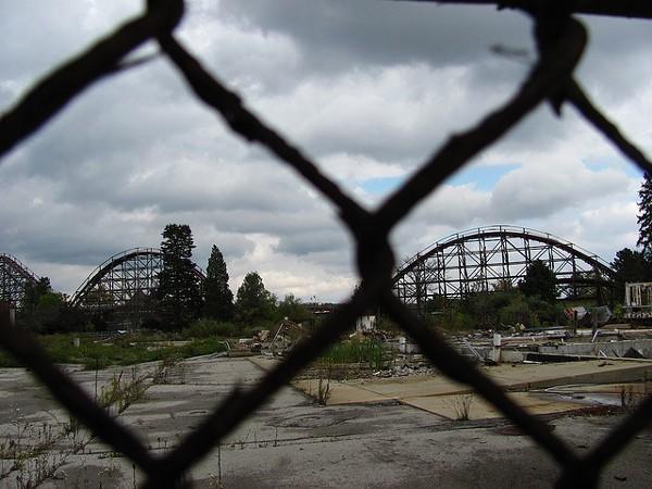15 Photos of Abandoned Geauga Lake Amusement Park