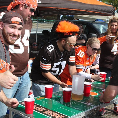 31 Photos of Clevelanders Tailgating Yesterday's Browns Game at the Muni Lot