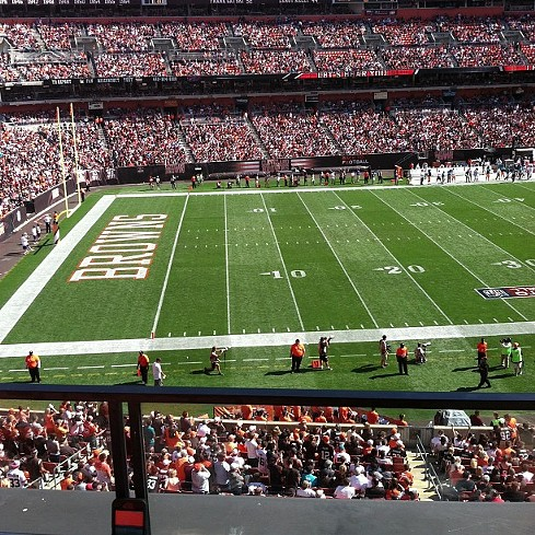 At the game #football #browns #comment #cleveland #comment #like #ftf #follow #followme #followhim #followbackteam - PHOTO COURTESY OF INSTAGRAM USER MR__MYSTICA