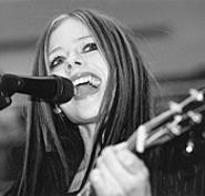 Avril Lavigne goes acoustic at the Strongsville mall. - WALTER  NOVAK