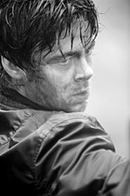 Benicio Del Toro as Hallam: Could Tommy Lee kick - his ass?