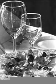 Clunky goblets and complex pizzas, two of - Fahrenheit's mainstays. - WALTER  NOVAK