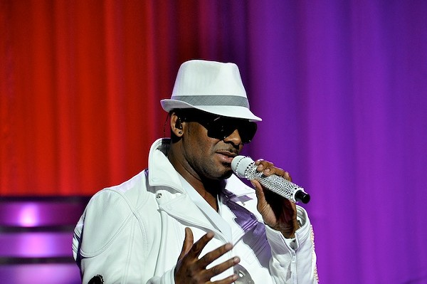 Concert Slideshow: R. Kelly at the State Theatre