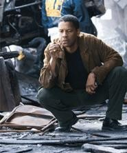 Denzel at the crime scene, one of many moments you know well.