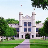 4. The College of Wooster- Wooster Enrollment: ~1,900Institution: Liberal Arts CollegeFeatures: Chapter of Phi Beta kappa for strengths in liberal arts and sciences, well regarded senior Independent Study program, featured in the best selling book 40 Colleges that Change Lives Photo Courtesy of Wikimedia Commons
