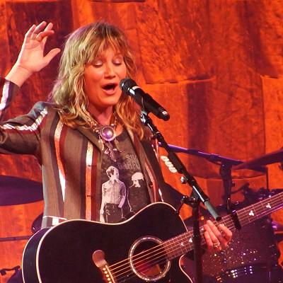 Jennifer Nettles Performing at Hard Rock Live