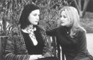 Liv Tyler and Kate Hudson in Dr. T.