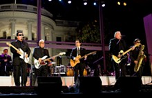 800px-los_lobos_at_the_white_house.jpg