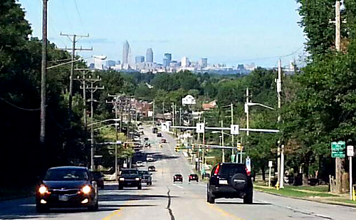 Parma__OH_-_Cleveland_Skyline_from_State_Rd.png