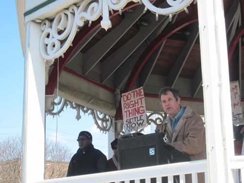 Sen. Sherrod Brown addresses the crowd at todays rally.