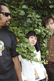 The Dirtbombs, with some totally clingy foliage.