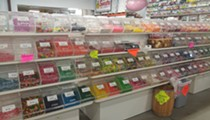 Candy Thieves Pepper Spray b.a. Sweetie Employees to Make Escape