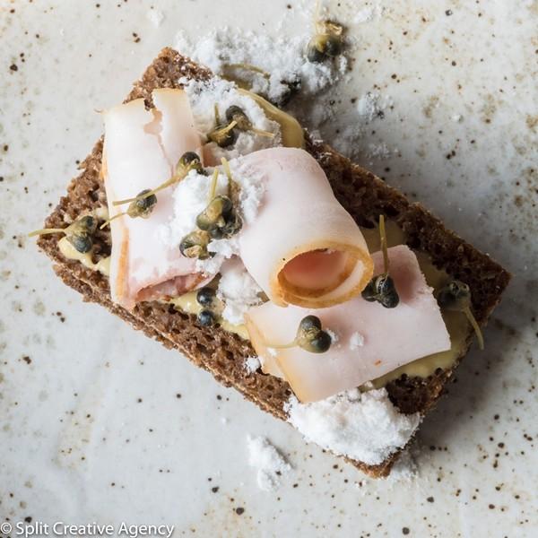 pork_fat_black_bread.jpg